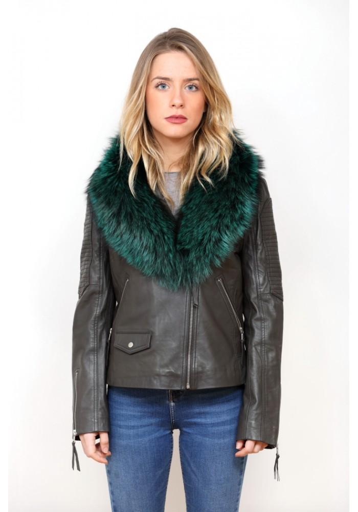 Fur collar of fox Susana