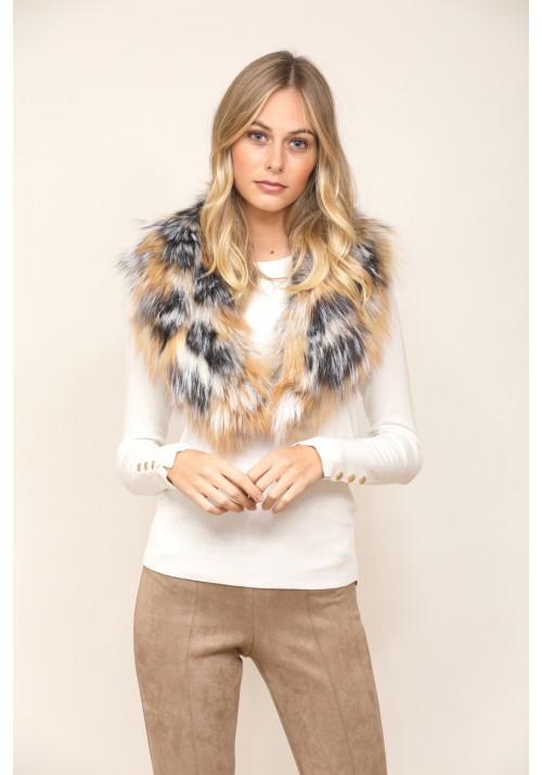 Fur collar of fox Eva