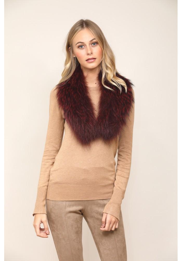 Fur collar of fox Venus