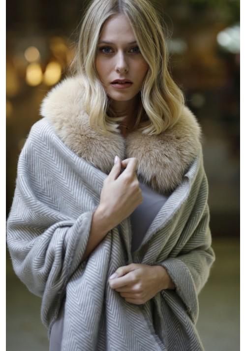 Fur collar of fox Sue