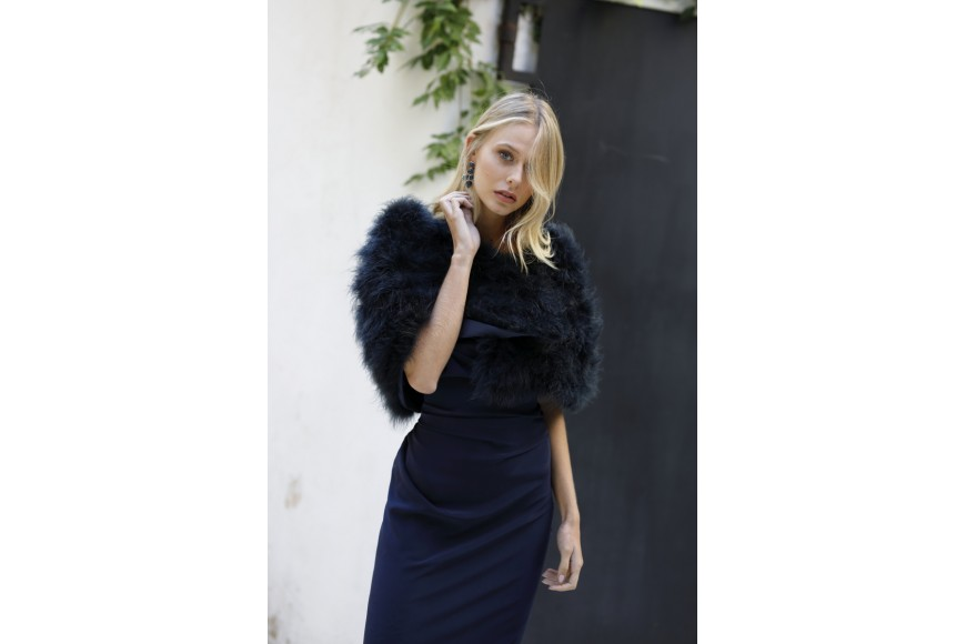 Fur jacket and fur stole: must haves for a contemporary wedding